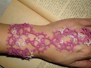 tatting frivolite